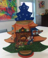jan's folk art tree 2