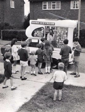 Lyons_Maid_Ice_Cream_Van
