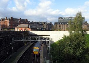 800px-Greenock_West_station_61106