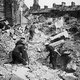 270px-AIR_RAID_DAMAGE_IN_THE_UNITED_KINGDOM_1939-1945_-_H_9476.jpg
