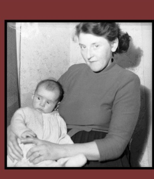 pictures of mum and me 1953.jpg