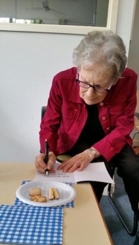 julie-signing