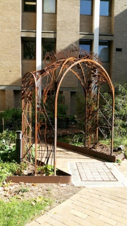 entrance-to-community-garden
