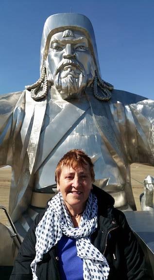 chinggis kahn statue