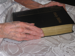 Mairi-Neil-2-Mums-large-print-bible.jpg
