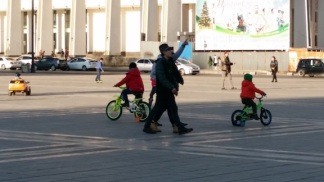 mongolians enjoying bikes and trikes 3
