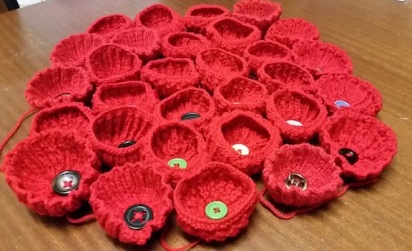 knitted poppies 2