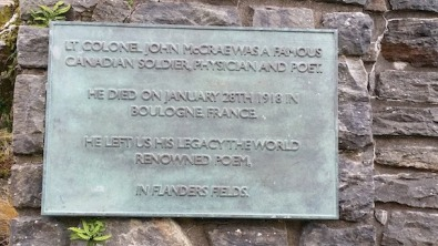 plaque acknowledging flanders field poet