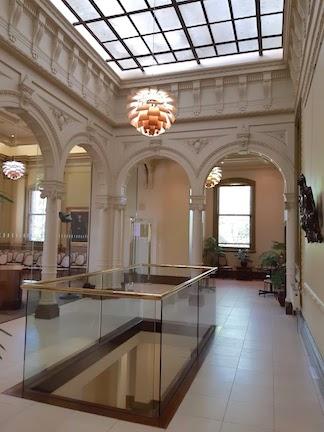 hall between chambers