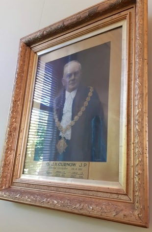 mayor curnow