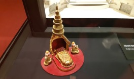 set model king and I, 2