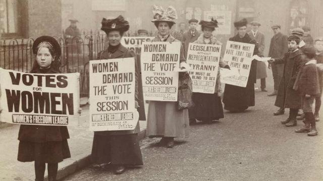 centenary-of-the-womens-vote-in-london_votes-for-women-image-courtesy-of-museum-of-london_052873e088e6cffc38925782d2bf799a.jpg