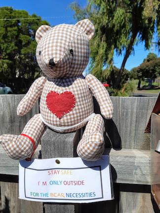 Bear at mailbox.jpg